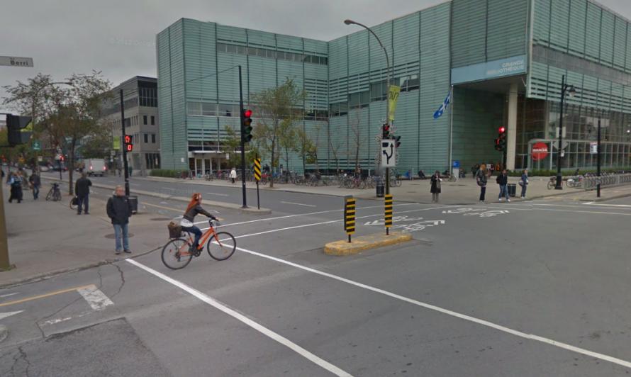 Rue Berri cycle tracks