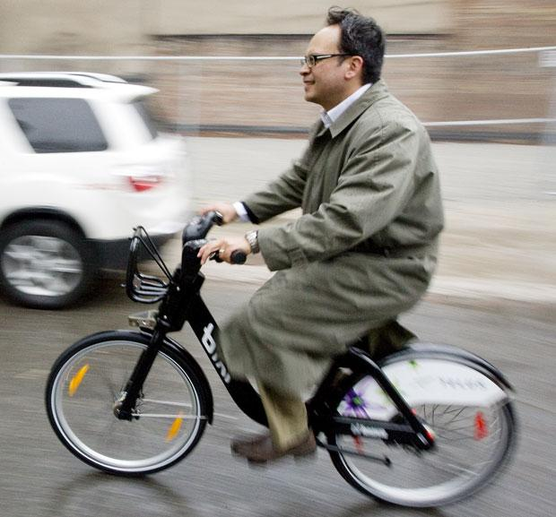 Denzil Minnan-Wong on BIXI